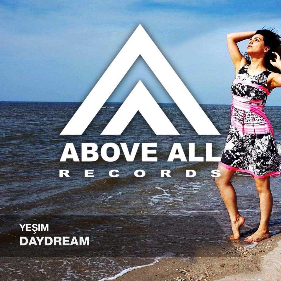 yesim-daydream